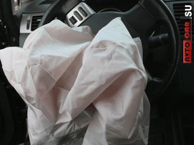 Сработавшая подушка ,безопасности водителя в руле