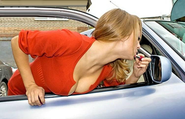 Автостопщица отсасывает водителю на трассе  330777
